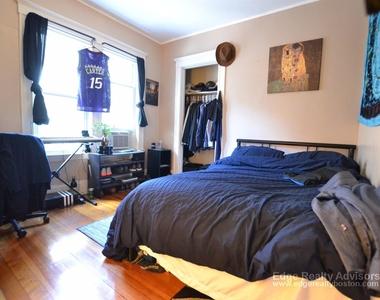 19 Mapleton St - Photo Thumbnail 6