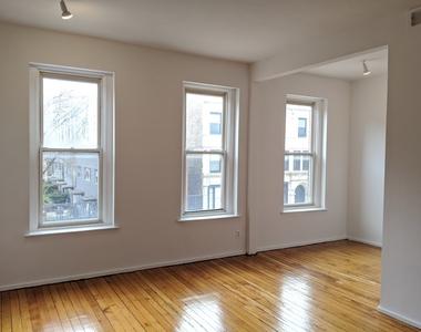 722 West 18th Street - Photo Thumbnail 4