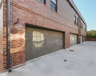 602 Finley Court - Photo Thumbnail 2