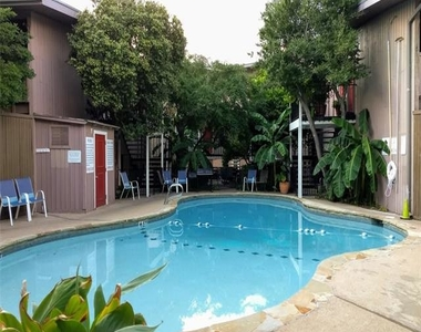 2627 Douglas Avenue - Photo Thumbnail 0