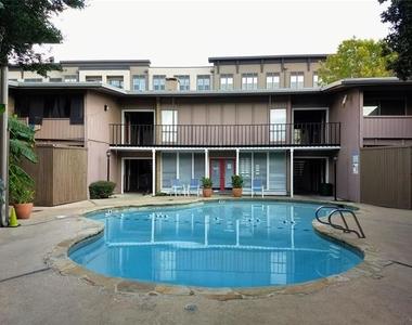 2627 Douglas Avenue - Photo Thumbnail 12
