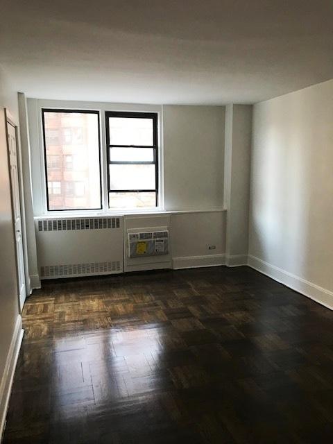 435 East 79th Street - Photo 6