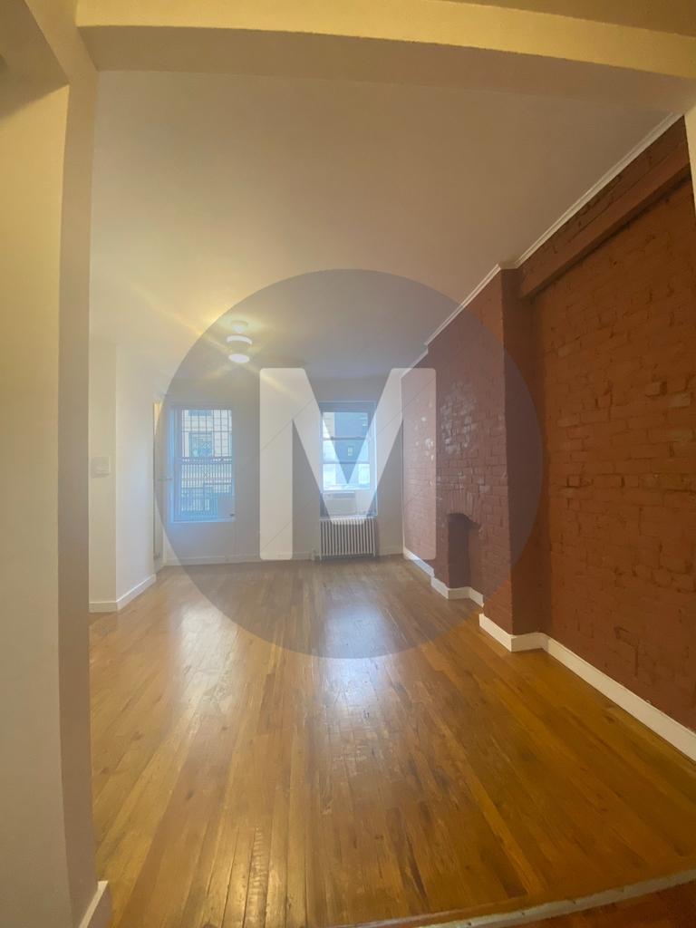 259 West 29th Street - Photo 3