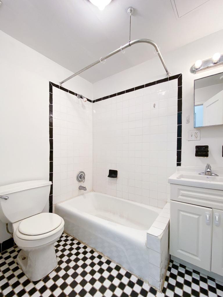 52 St Marks Place - Photo 3