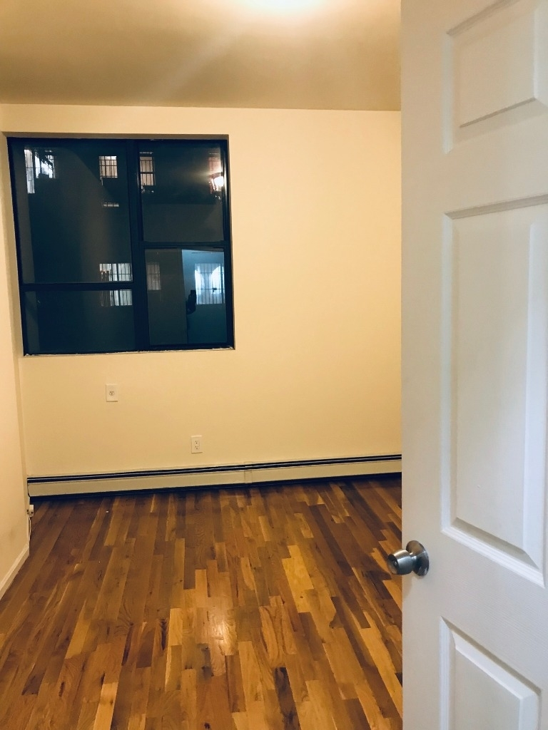 274 Willoughby Avenue - Photo 3