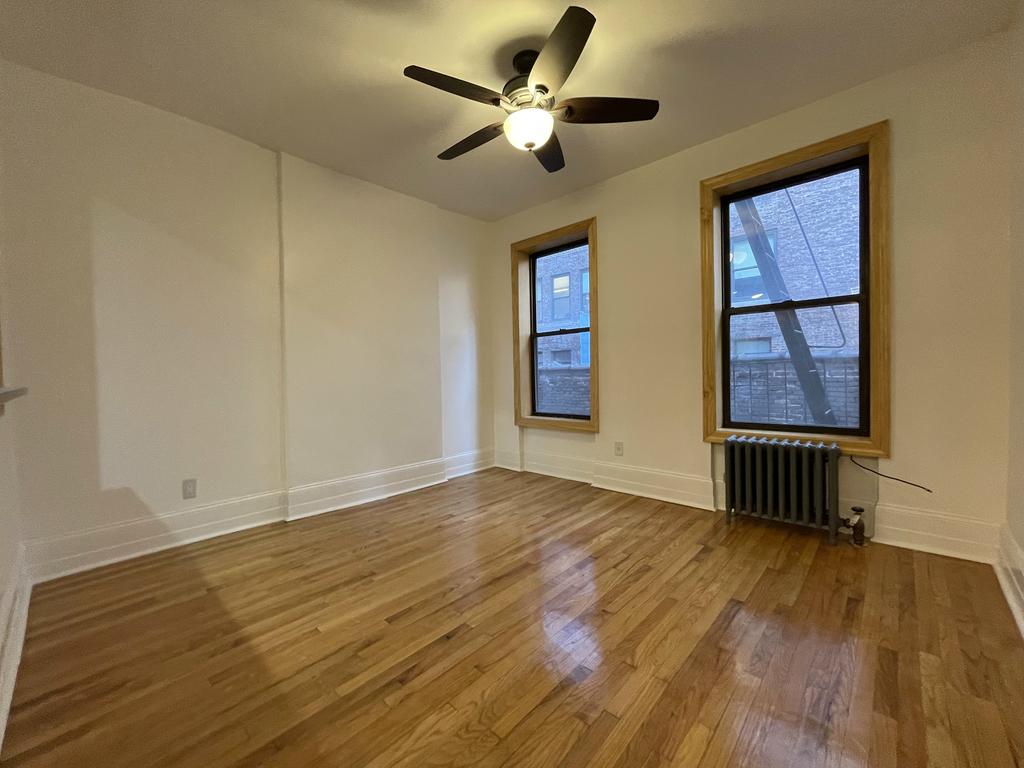 404 8th Avenue - Photo 0