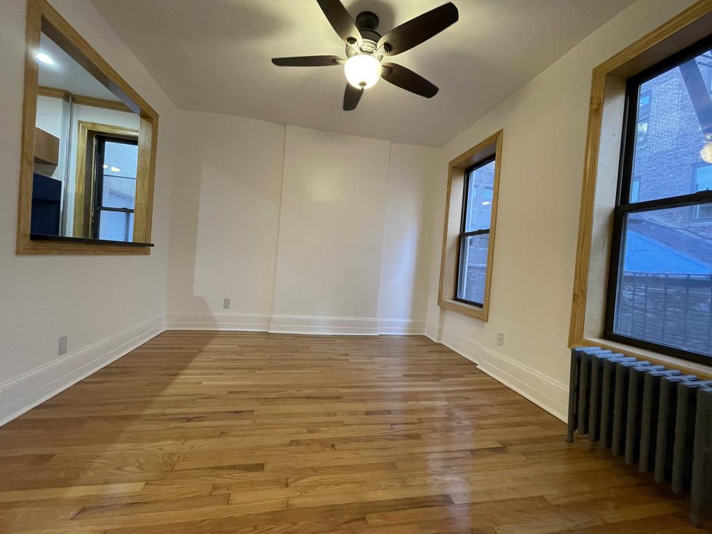 404 8th Avenue - Photo 2