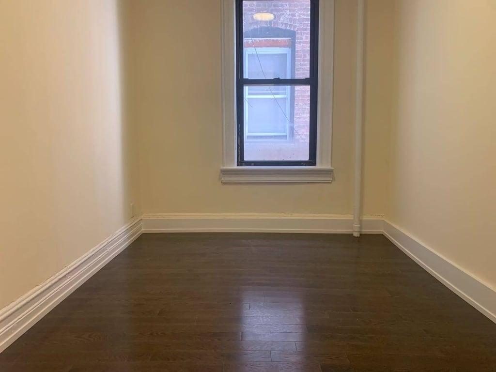 306 East 165th Street - Photo 3