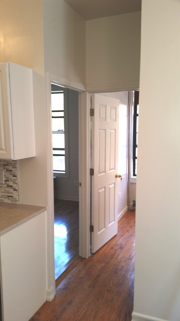 753 East 6th Street - Photo 3
