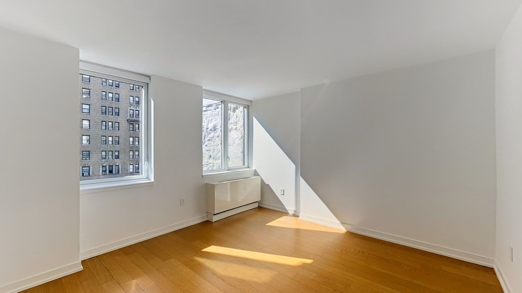 250 West 93rd St - Photo 5