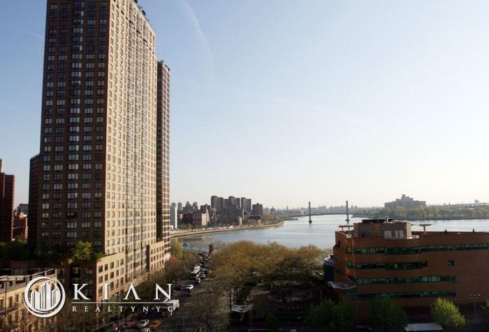 91st Street and York Avenue - Photo 17