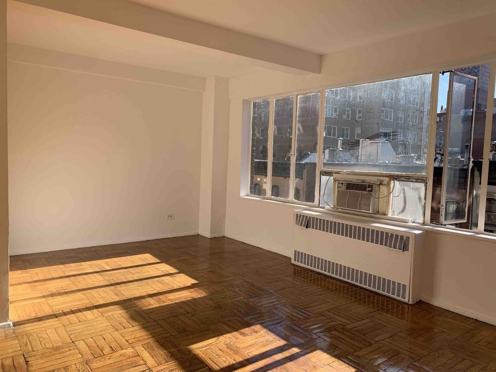 117 East 37th Street - Photo 3