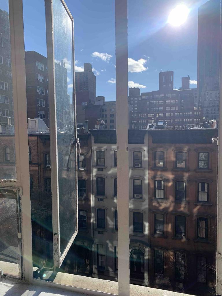 117 East 37th Street - Photo 2