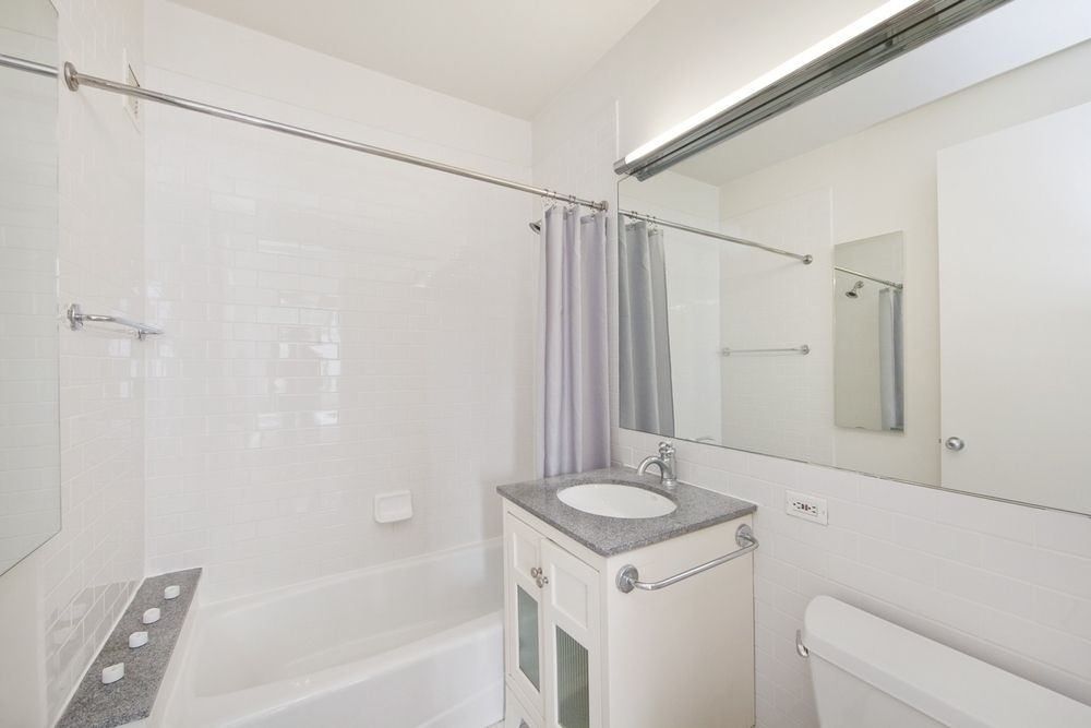 271 West 47th Street - Photo 3
