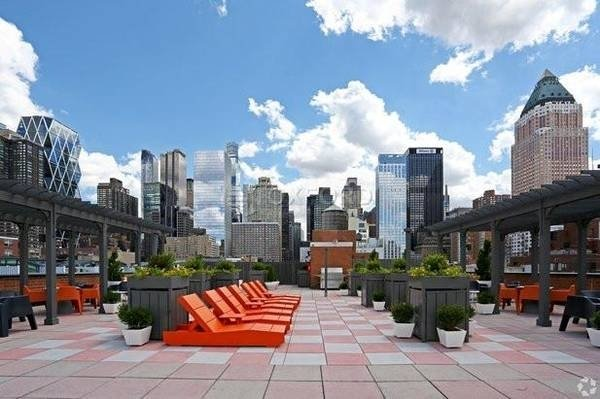 West 53rd Street - Photo 8