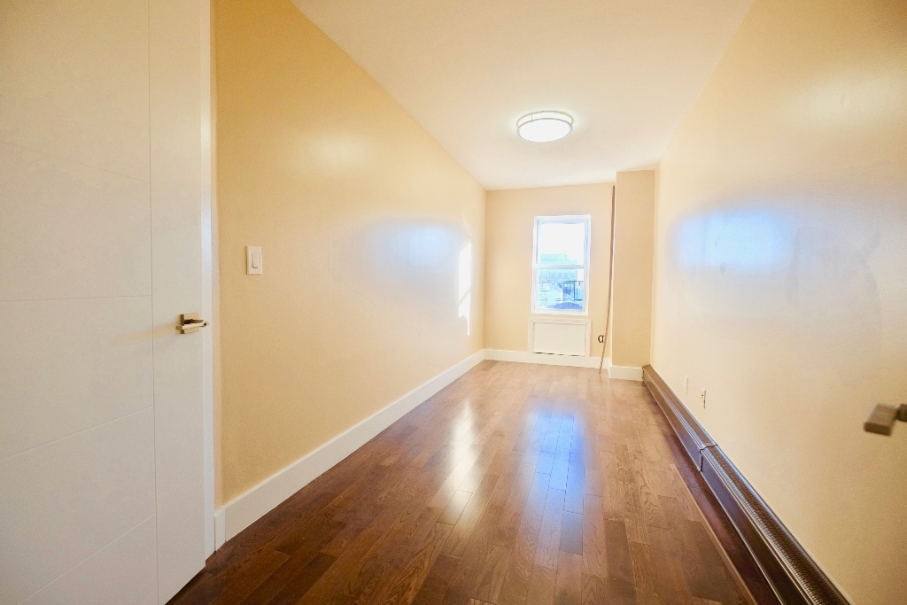 1675 Sterling Place - Photo 5