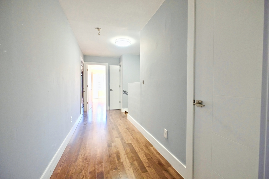 1675 Sterling Pl - Photo 13