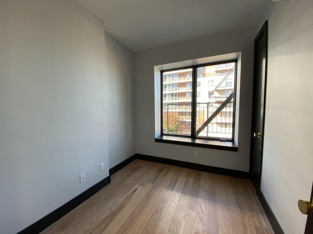 561 4th Avenue - Photo 7