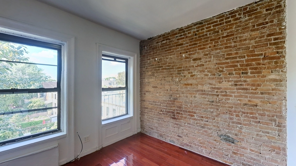 1486 Bedford Ave  - Photo 3