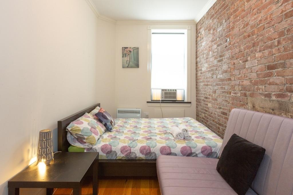 444 West 52nd Street - Photo 2