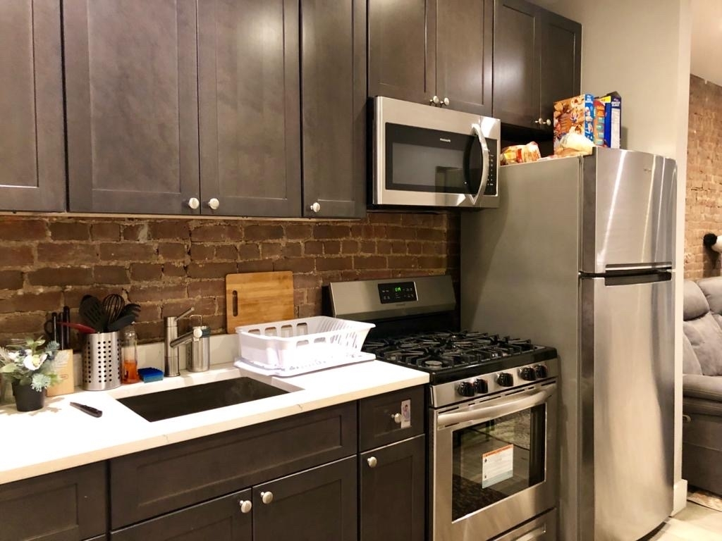 776 9th Ave #4s - Photo 0