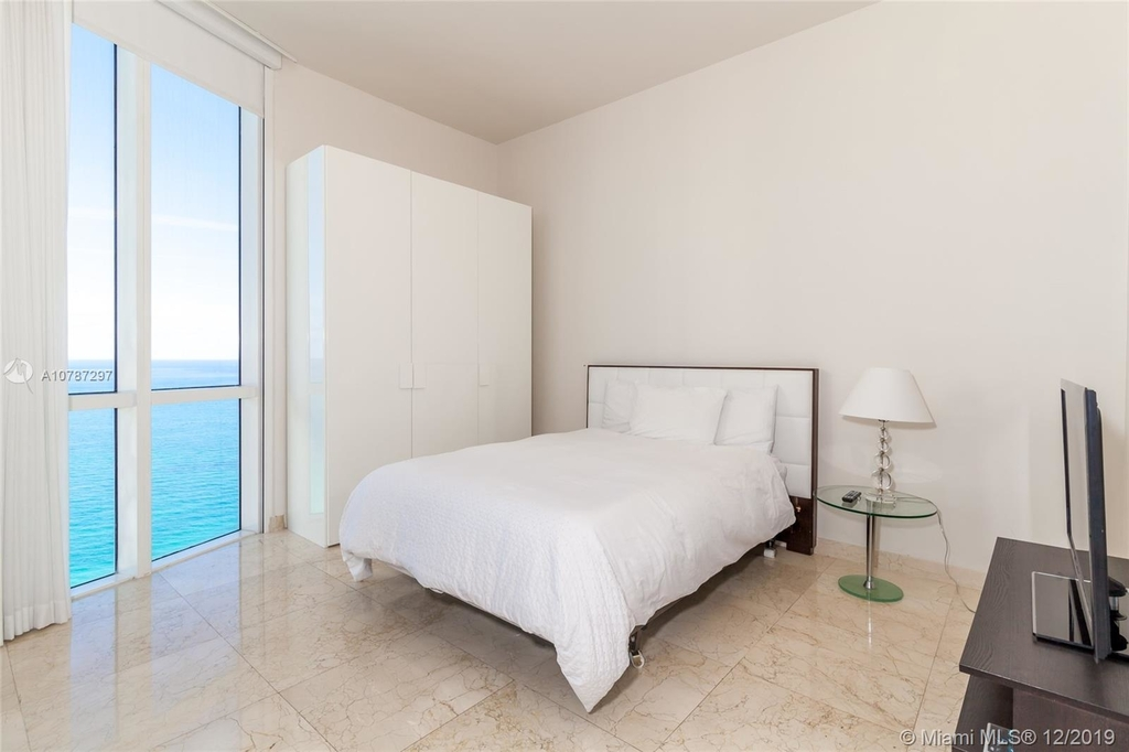 16001 Collins Ave - Photo 35