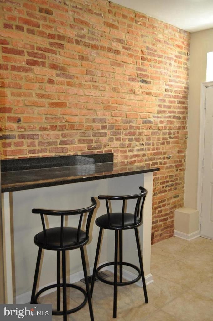 1802 Moreland Ave - Photo 2