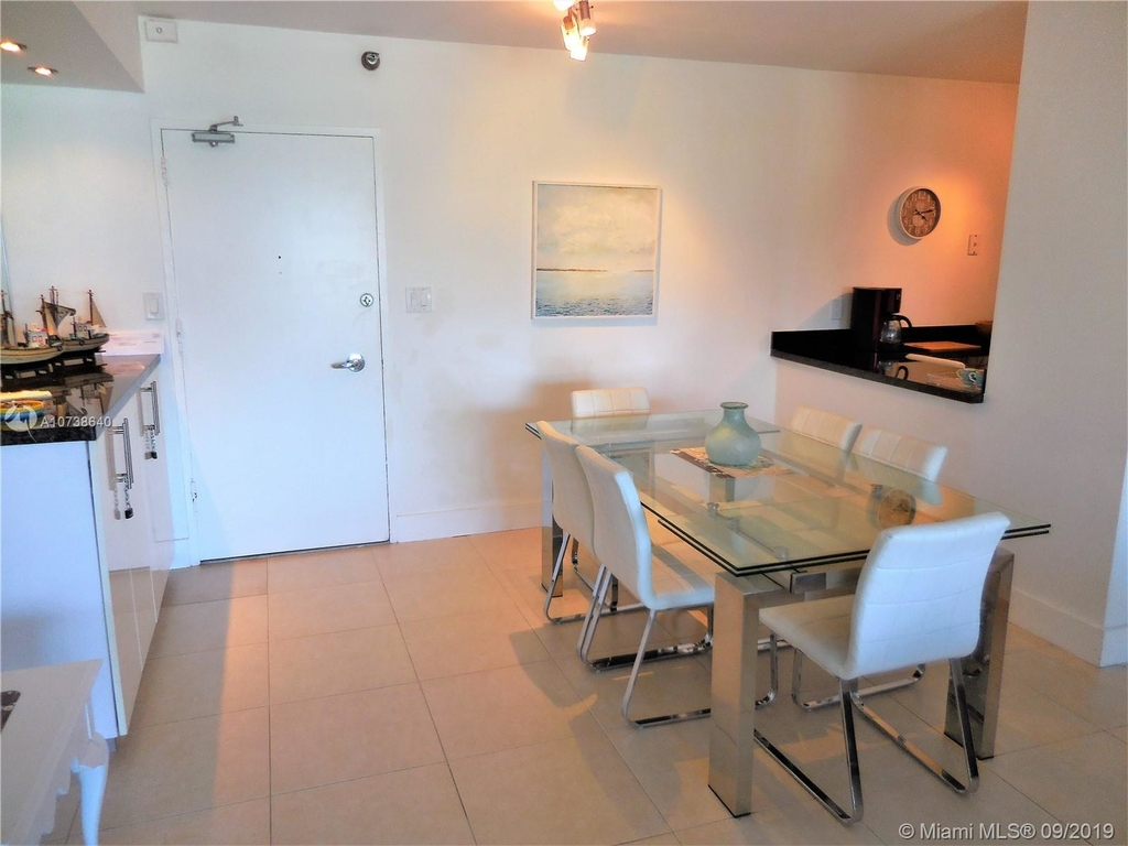 5151 Collins Ave - Photo 95