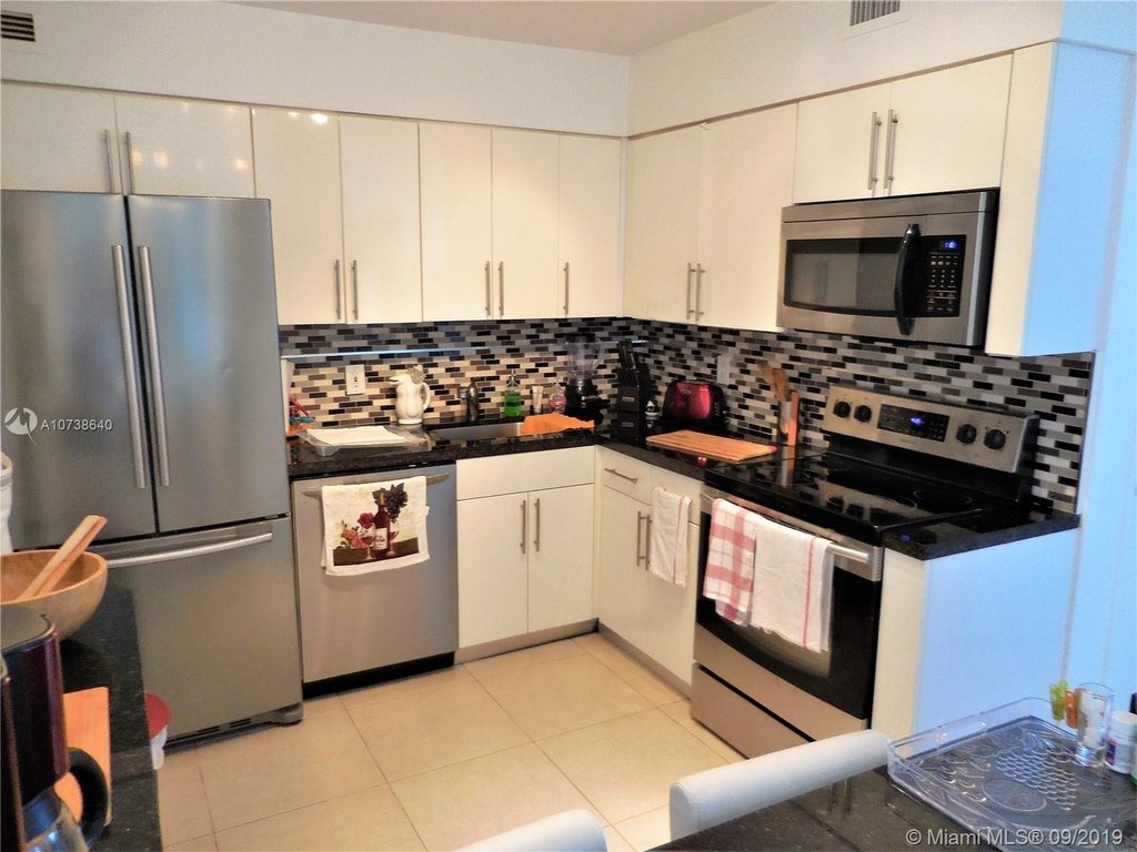 5151 Collins Ave - Photo 41