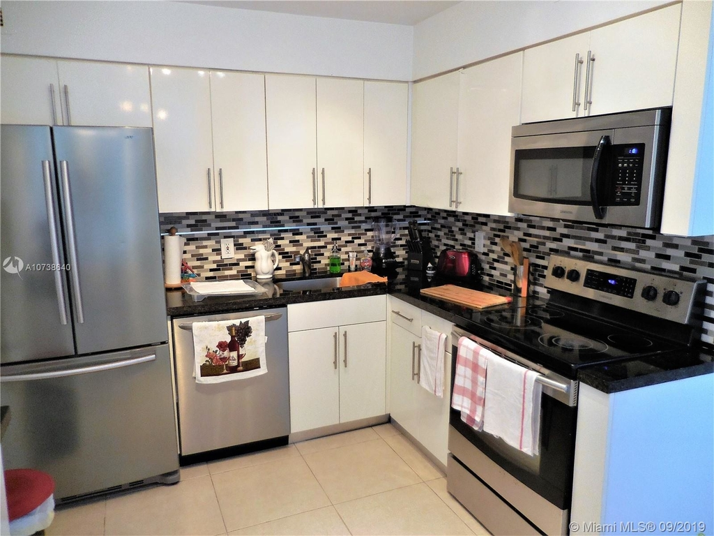 5151 Collins Ave - Photo 99