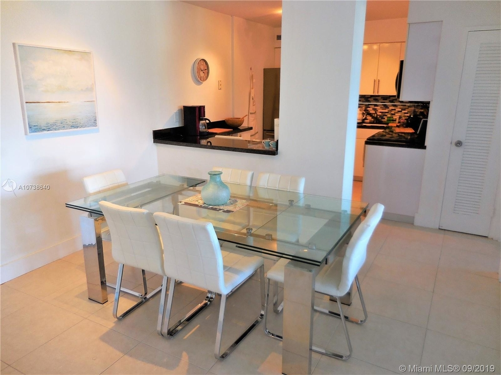 5151 Collins Ave - Photo 35