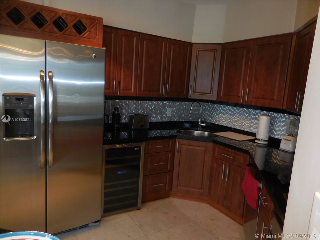 5161 Collins Ave - Photo 64