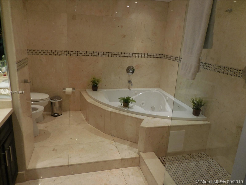 5161 Collins Ave - Photo 96
