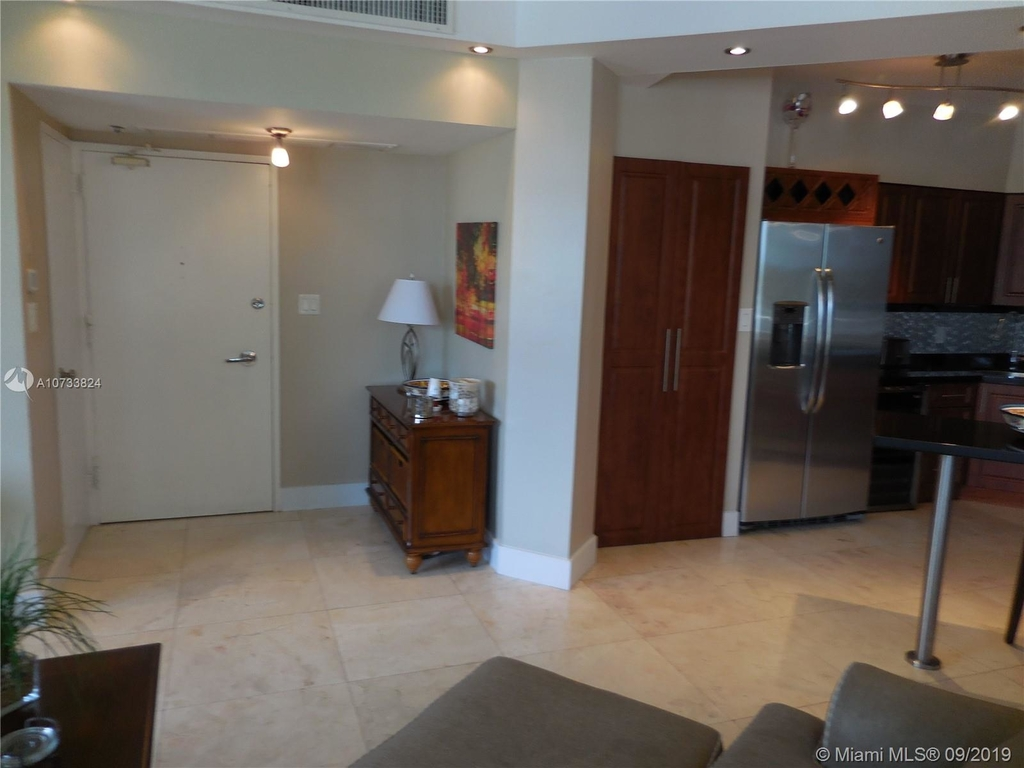 5161 Collins Ave - Photo 48
