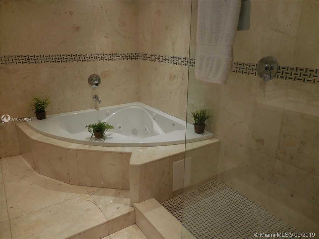5161 Collins Ave - Photo 85