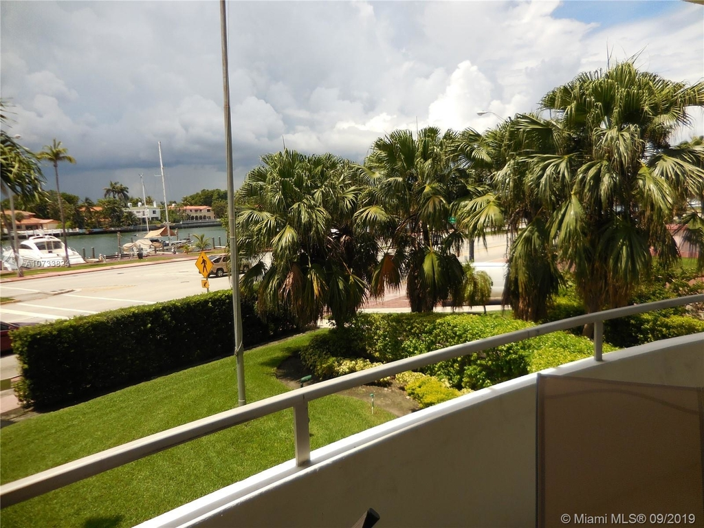 5161 Collins Ave - Photo 136
