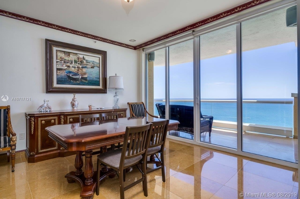 17875 Collins Ave - Photo 38