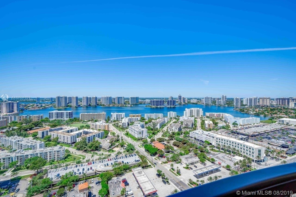 17875 Collins Ave - Photo 19