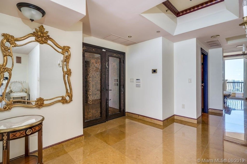 17875 Collins Ave - Photo 32