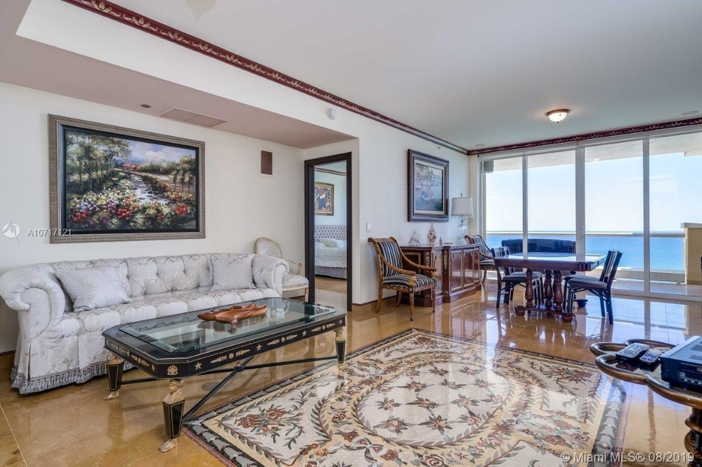 17875 Collins Ave - Photo 35