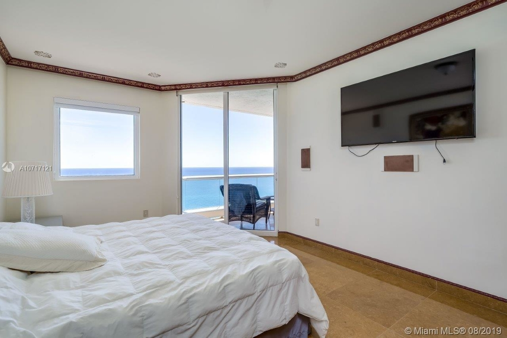 17875 Collins Ave - Photo 64