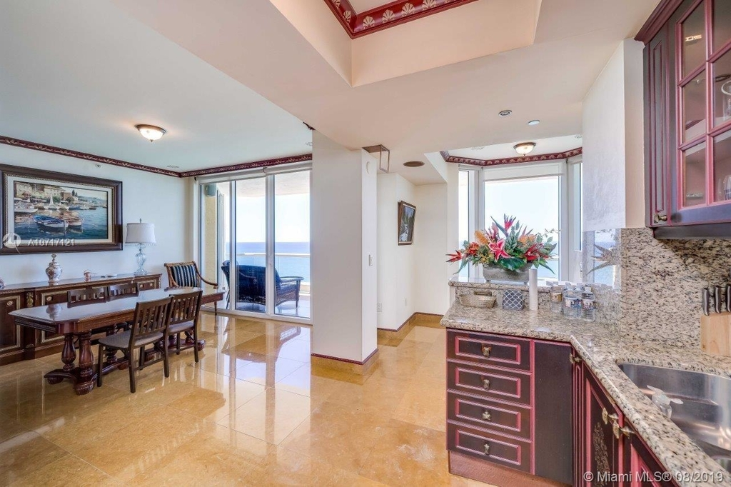 17875 Collins Ave - Photo 50