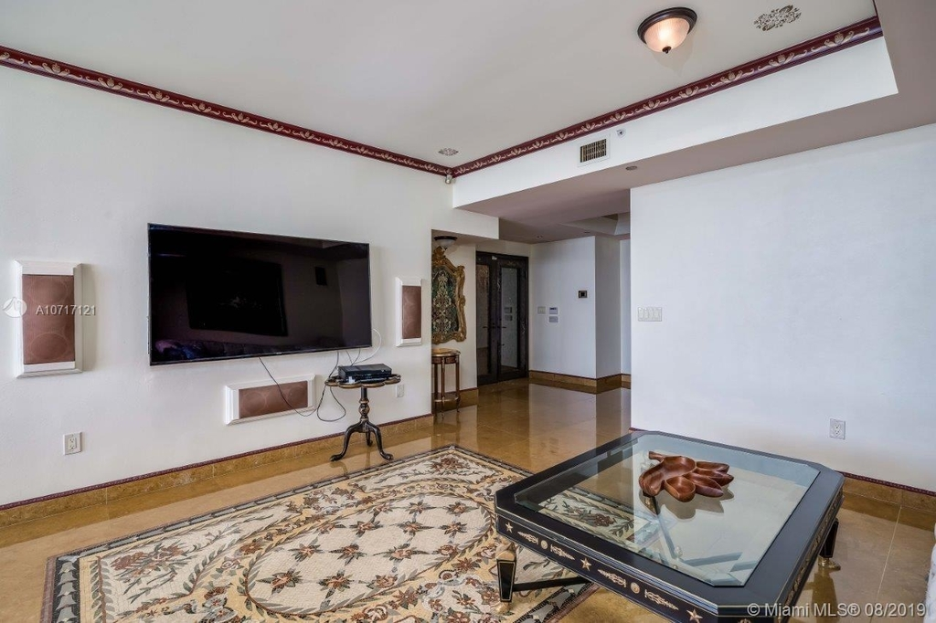 17875 Collins Ave - Photo 39