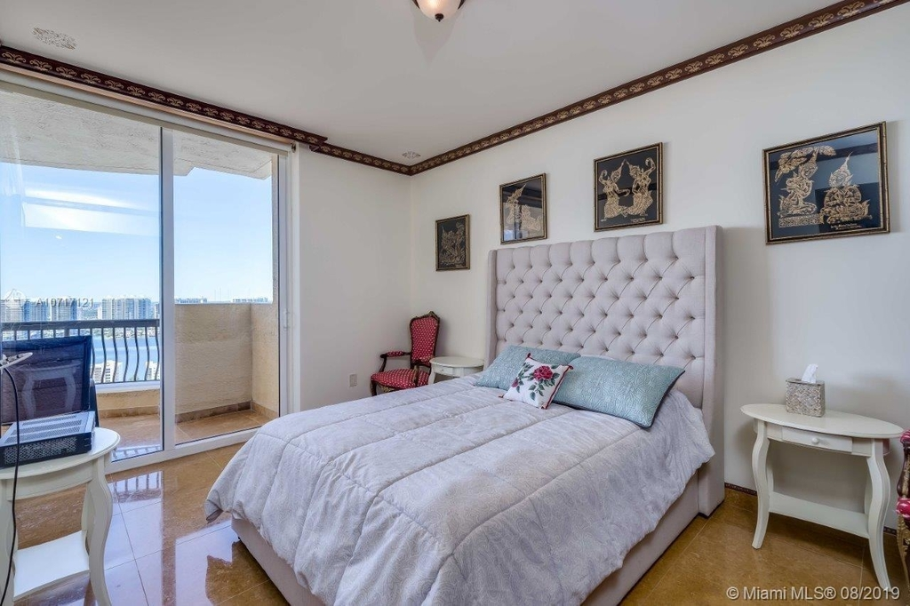 17875 Collins Ave - Photo 78