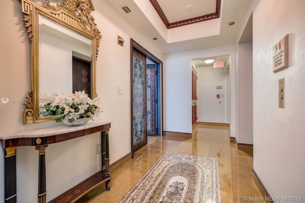 17875 Collins Ave - Photo 28