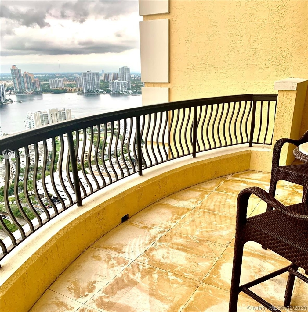 17875 Collins Ave - Photo 61
