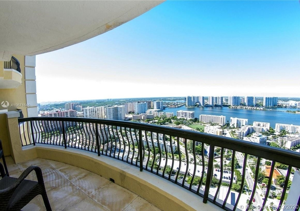 17875 Collins Ave - Photo 63