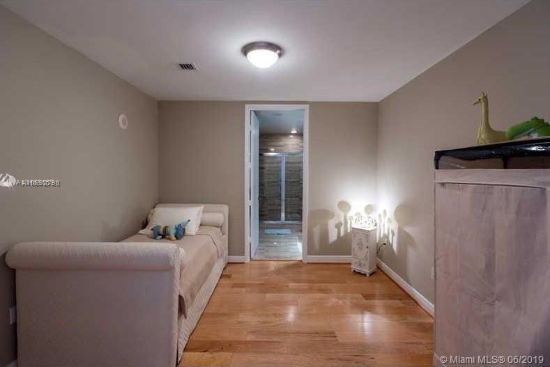 16001 Collins Ave - Photo 45