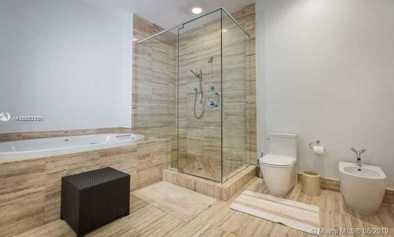 15901 Collins Ave - Photo 48