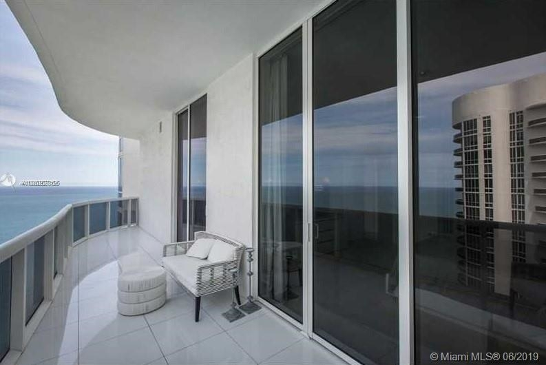 15901 Collins Ave - Photo 32